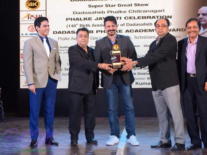 Vivek Anand Oberoi‏ honoured with the prestigious DadaSaheb Phalke Academy Award