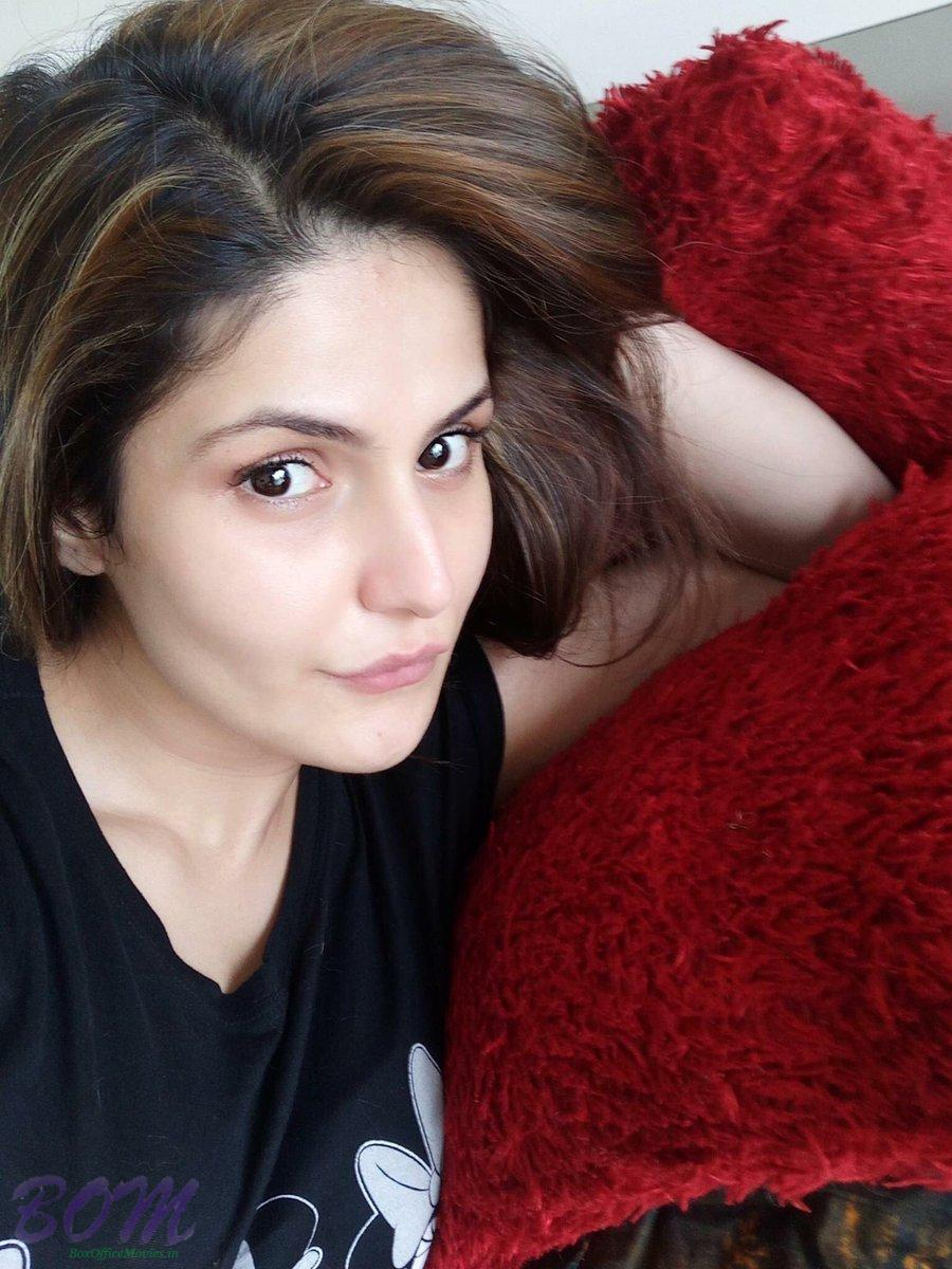Zareen Khan selfie as on 30 July 16