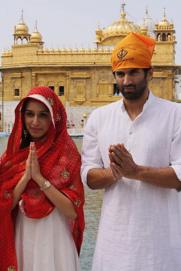lovely couple Shraddha Kapoor with Aditya Roy Kapur at the Golden Temple