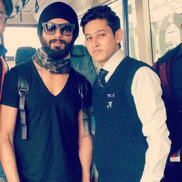 Shahid Kapoor with his lucky fan